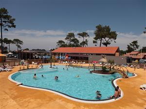 Plage sud piscine