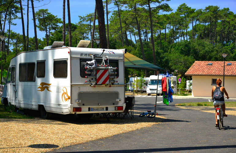 aire municipale de camping cars d 39 hossegor a hossegor aires de camping cars. Black Bedroom Furniture Sets. Home Design Ideas