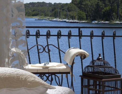 hotel-la-caravelle-bisca-chambre-balcon1