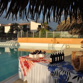 Belambra-aperitif-piscine