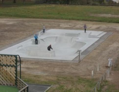 Skate park a soustons equipements de loisirs tourisme landes 40 - Office de tourisme de soustons ...