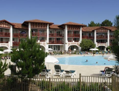 residence-pierre-et-vacances-piscine-biscarrosse (2)